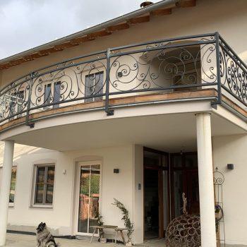 Schmiedeisener Balkon
